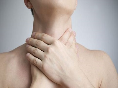 颈部的白癜风会有哪些症状